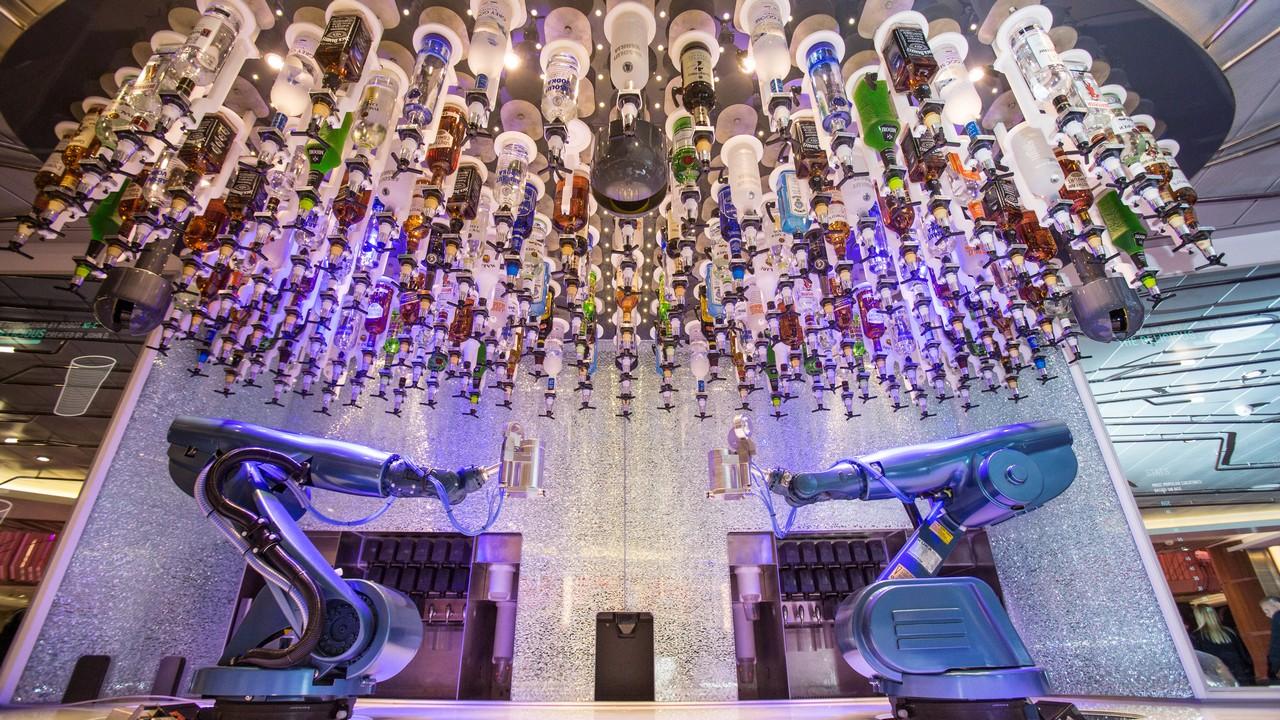 皇家加勒比郵輪 海洋光譜號 機械人酒吧